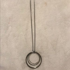 The Limited Five Circle Pendant Necklace